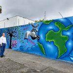 Muro da Cogerh ganha painéis de arte urbana com mensagens sobre uso responsável da água