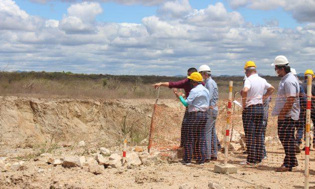 SRH e vinculadas realizam visita técnica ao canteiro de obras da Barragem Melancia